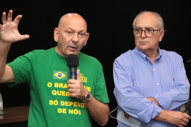 Luciano Hang e Wallace Sampaio